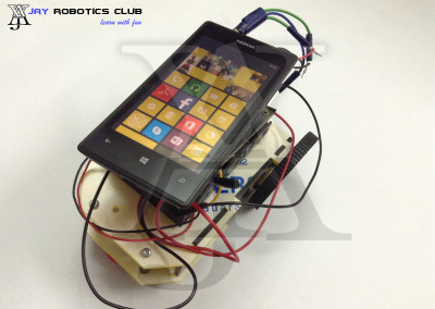 mobile controlled robot without microcontroller